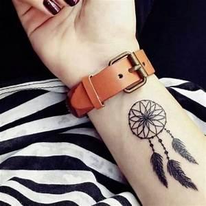 1001 idees de tatouage attrape reve symbolique With robe fourreau combiné avec montre capteur activité