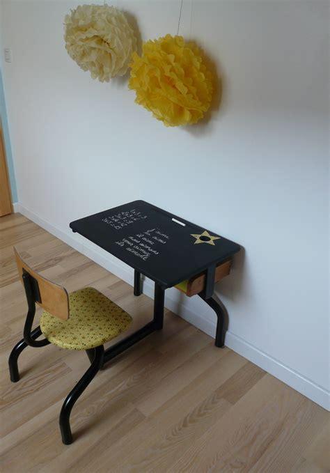 petit bureau bebe petit bureau d 39 écolier vintage jaune et noir et sa chaise