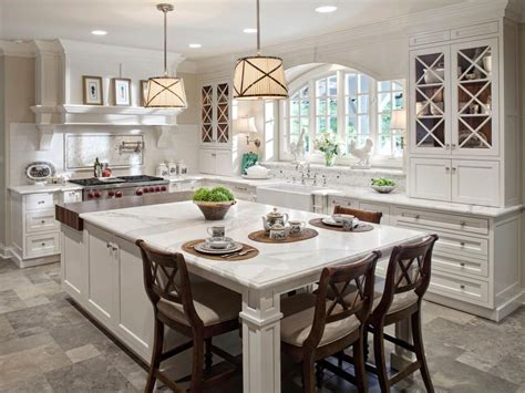 kitchen islands  seating  traditional style