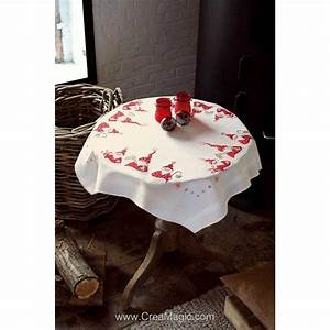 Table De Noel Traditionnelle : nappe gn mes de no l en broderie traditionnelle vervaco ~ Melissatoandfro.com Idées de Décoration