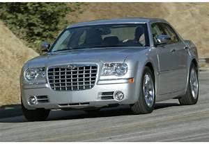 Chrysler 300c Prix : fiche technique chrysler 300c 3 5 v6 a 4 portes d 39 occasion fiche technique avec ~ Maxctalentgroup.com Avis de Voitures