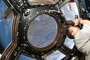 Photographing Earth from the Cupola on the International ...