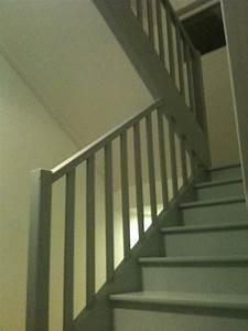 revgercom peinture escalier bois v33 idee inspirante With repeindre un escalier en gris 10 repeindre en blanc 1 escalier lasure et vitrifie 18 messages