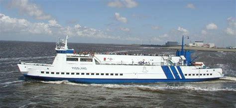 Boten Naar Terschelling by Terschelling Veerboot