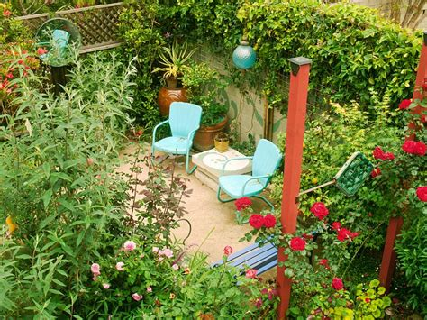 Diy Backyard Ideas On A Budget by 12 Budget Friendly Backyards Diy
