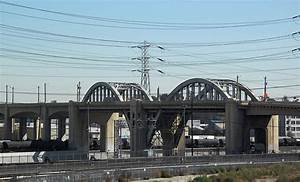 LA's 6th Street Viaduct: The Most Famous Bridge in the World