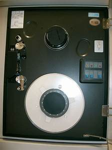 File:Magnetic tape unit2.jpg - Wikimedia Commons