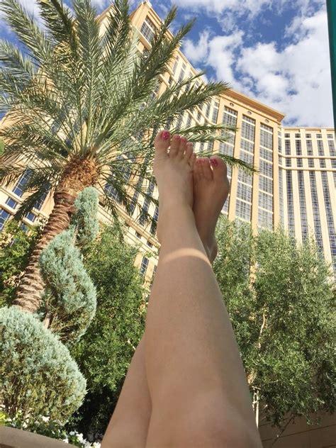 alena crofts feet