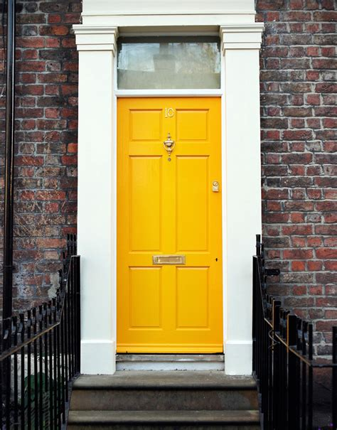 25 front door colors and ideas for the prettiest house on