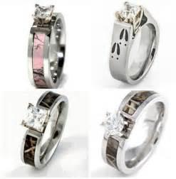 deer wedding rings wedding rings with engraved deer print wedding rings