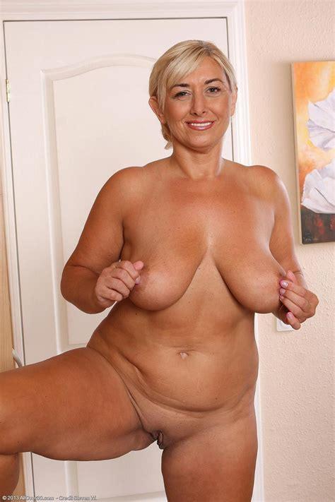 hot all natural Busty Blonde mature pichunter