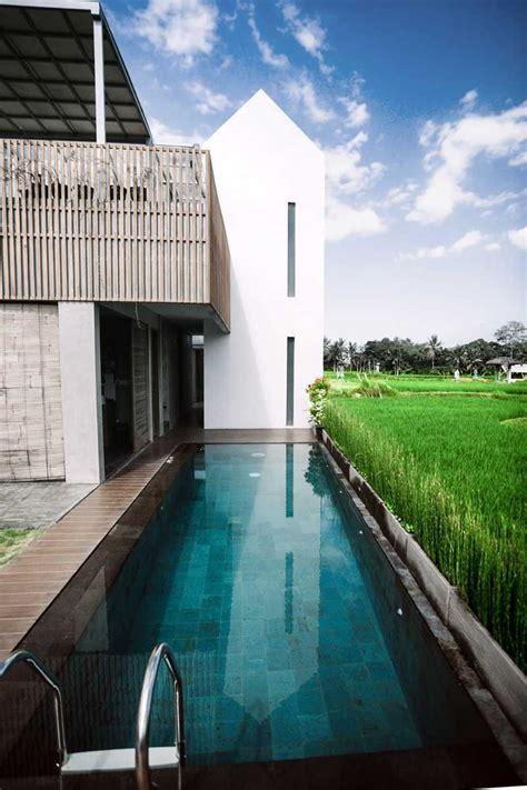 photo swimming pool area casa avana  desain arsitek oleh