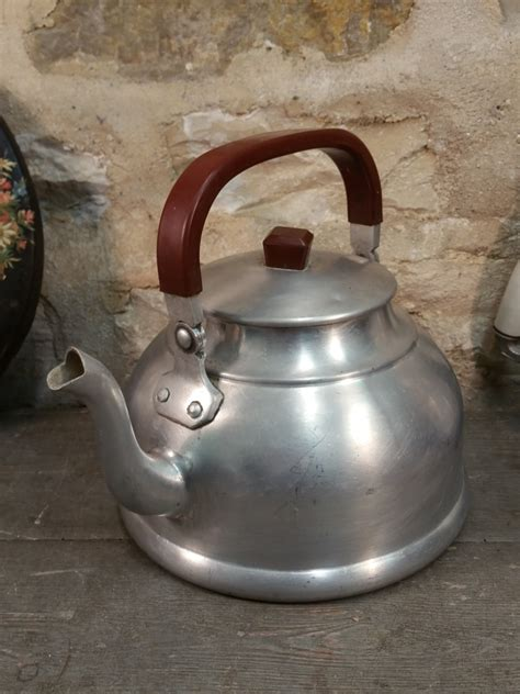 cuisiner avec une bouilloire ancienne bouilloire en aluminium