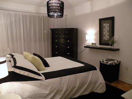 chambre à coucher simple decoration simple chambre a coucher meuble oreiller