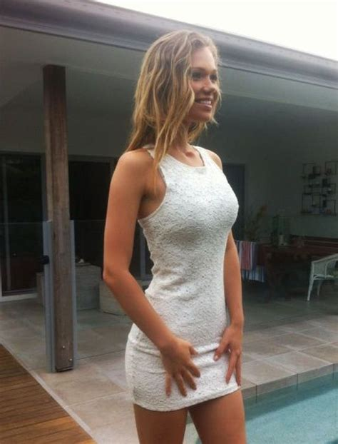 Girls In Tight Dresses Flaunting Their Assets Pics
