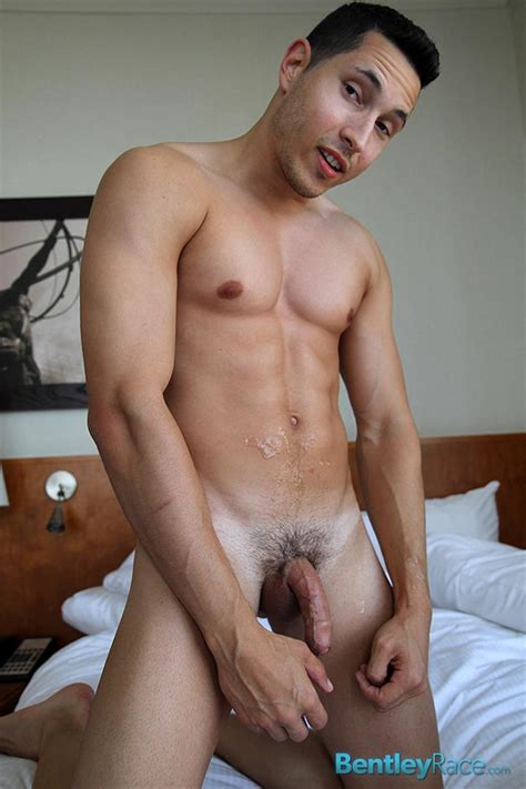 Amateur Straight Italian Jock Jerks Off His Huge Uncut