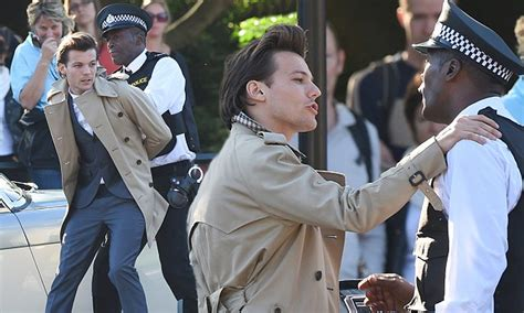 louis tomlinson  arrested   latest  direction