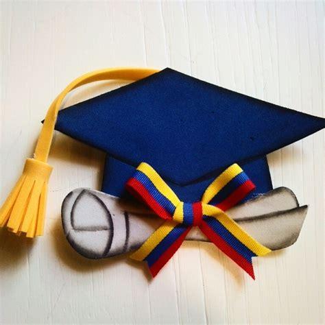arreglos de graduacion en foami recuerdos cotillones de graduacion en foami bs 250 000