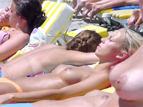 Candid Tits On The Beach The Free Voyeurclouds