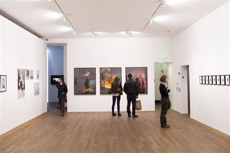 top  cheap art galleries  london  headbox
