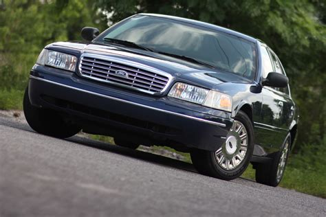 2005 FORD CROWN VICTORIA - Image #8