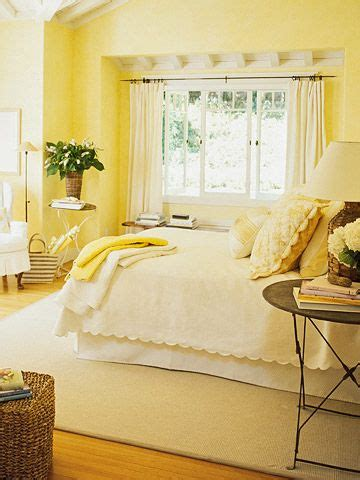 Bedroom Decorating Ideas For Yellow Walls by Cozy Cottage Style Bedrooms For The Home Cottage Style