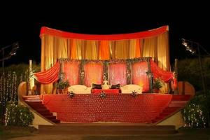 Outdoor Indian Wedding Stage Decorations | Wedding Stage ...
