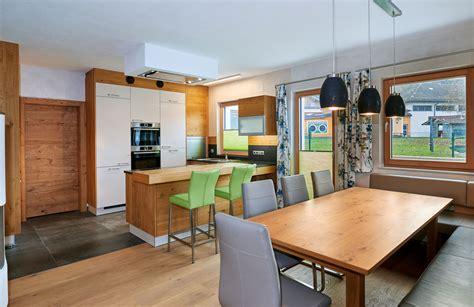 Altholz Küche Salzburg. Tafelfarbe Küche Ikea Höher Setzen
