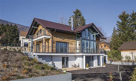 Bungalow Am Hang Bauen by Haus Am Hang Mit Holzverschalung Architektur In 2019