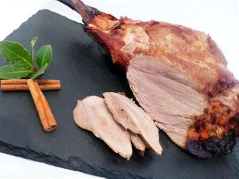 cuisiner une cuisse de sanglier recettes de sanglier et rôti