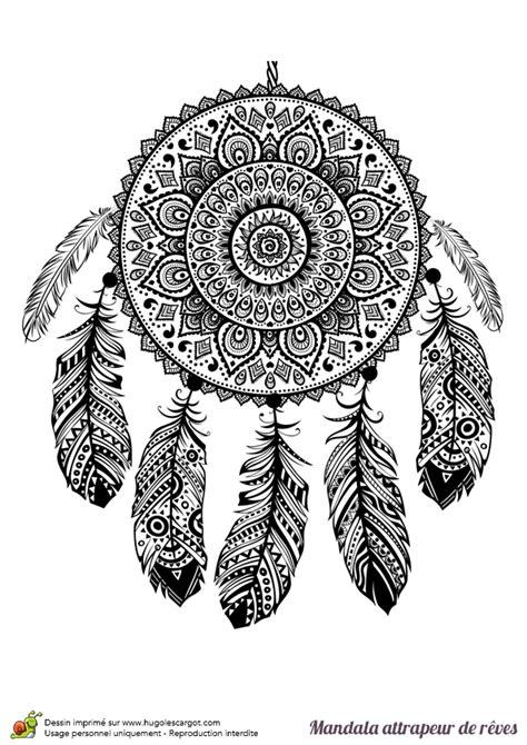 Coloriage d'un mandala attrape rêve indien