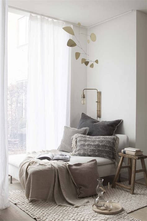 reading nook ideas    cozy  comfortable