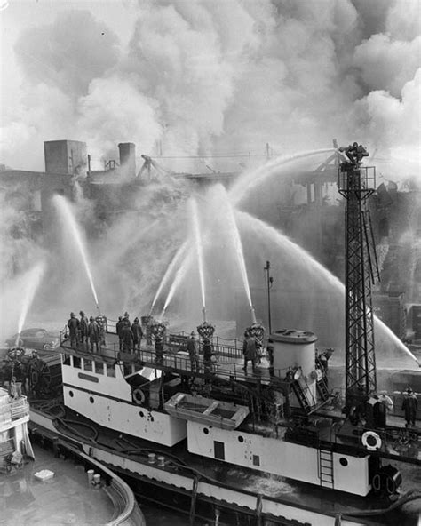 Nyc Fireboat Firefighter by New York Fdny Boats 9