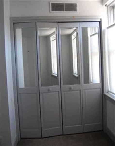 rental redo update closet door with mirrors