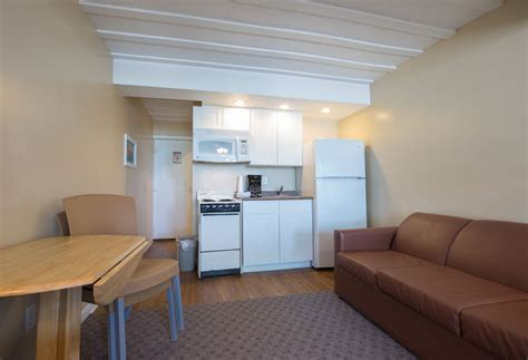 hotel room  kitchen king bed layout sleeps