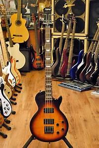 Epiphone Les Paul Bass Guitar