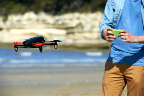 tomtom  gps  smartphone support parrot bebop drone  debut iphoneness