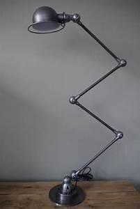 Lampe D Atelier Led : lampe d atelier industrielle jielde 4 bras polie graphite ~ Edinachiropracticcenter.com Idées de Décoration