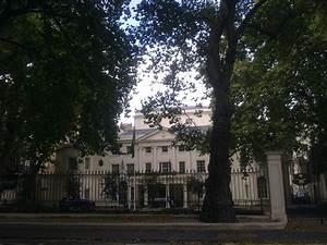 Embassy of Saudi Arabia, London - Wikipedia