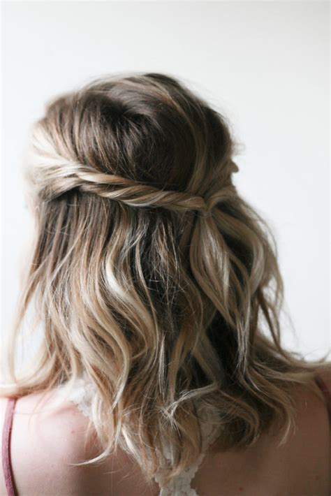 easy   hairstyles thatll   minutes