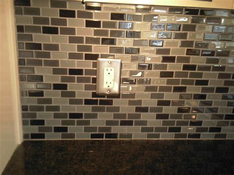 how to choose a kitchen backsplash backsplash tile sizes tile design ideas