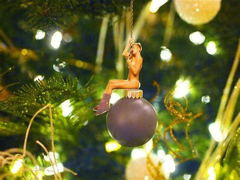 celeb themed items thatll   christmas