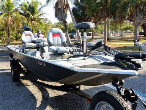 Saltwater Bass Boat by Saltwater Fishing Secrets For Small Boat Fishing