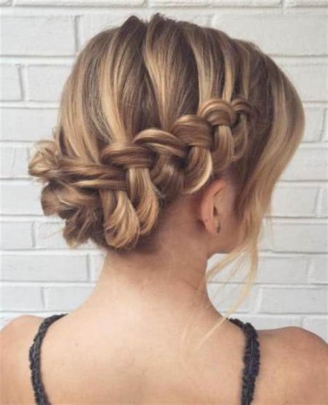 20 unique updos for thin hair