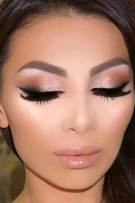 Here You Will Find Chic Homecoming Makeup Ideas Even
