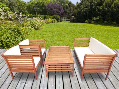 Salon de jardin en bois du0026#39;eucalyptus  1 canapu00e9 2 fauteuils et une table basse - MINDANAO