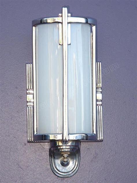 Deco Bathroom Lighting Fixtures by 157 Best Vintage Bathroom Light Fixtures Images On