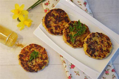 cuisiner le hareng croquettes de hareng et pommes de terre au curry au fil du thym