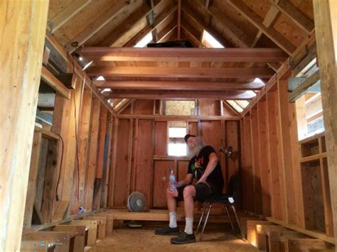 tiny house nations zack giffin  teach veterans