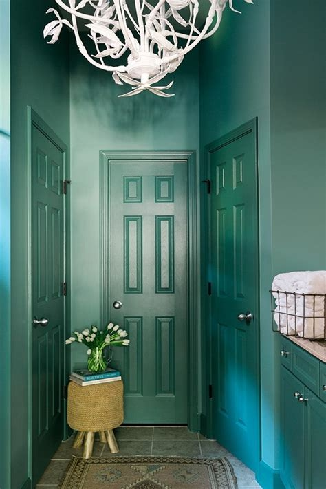 a bold bathroom makeover with behr paint waiting martha